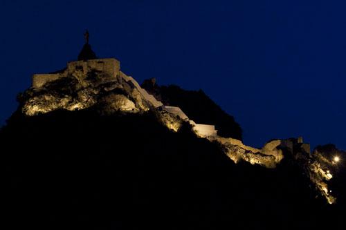 castillo de castril iluminado - casas rurales castril