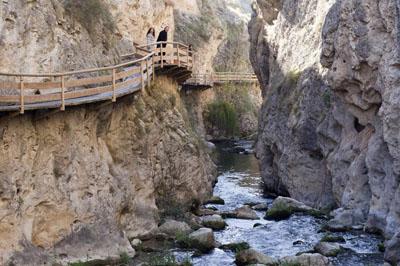 el sendero de la cerrada del rio Castrl