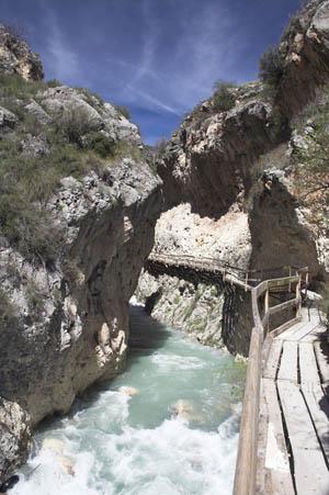 sendero de la pasarela del rio Castril