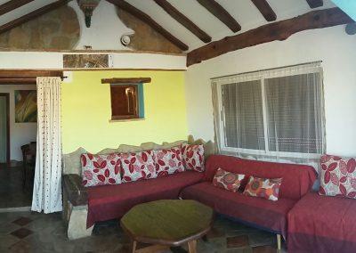 casasruralescastril-porche-sofas-casa3