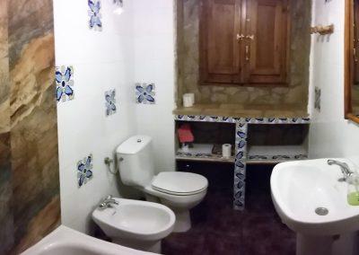 casas-rurales-castril-casa-3-cuarto-de-baño-3